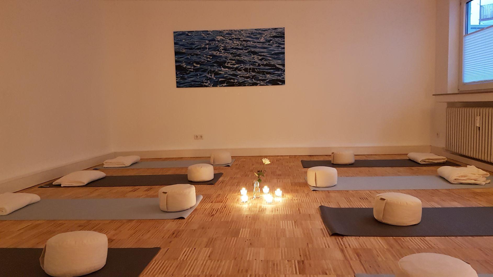 Raum am Fluss – Raum Yoga MBSR